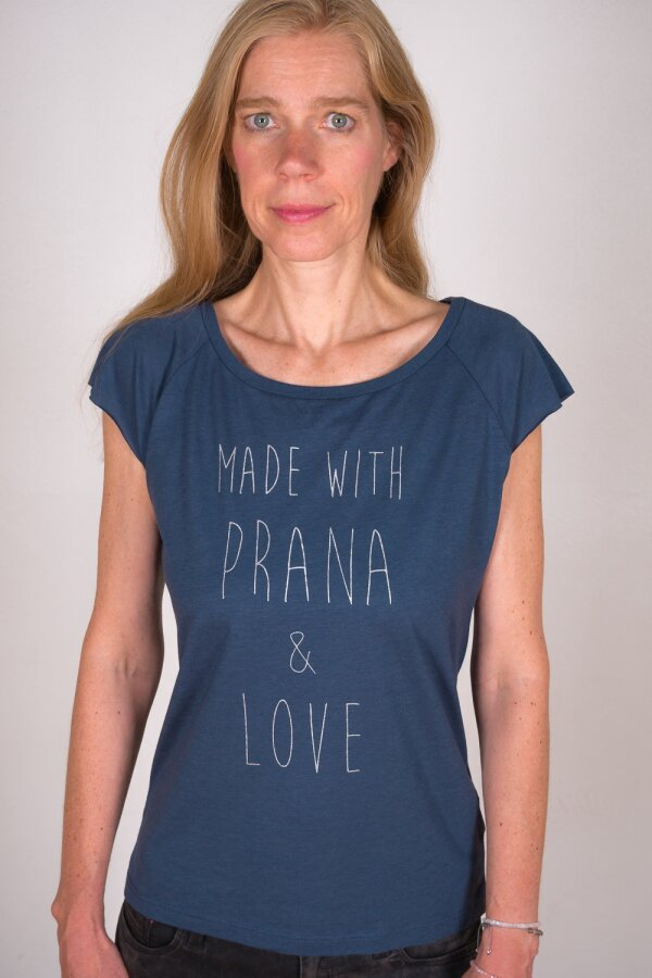 T-Shirt MADE WITH PRANA & LOVE blau/silber